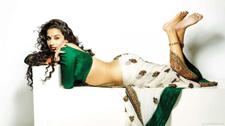 vidya_balan_wallpaper_in_saree_dirty_picture_bollywood_movie